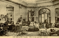 Le grand hall utilisé comme salon