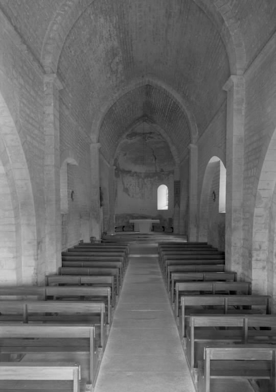 Vue de l 39 int rieur depuis le fond de la nef chapelle for L inventaire du mobilier