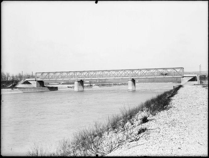 [Pont De La Porte De Vaulx En Velin, Vue Du0027amont