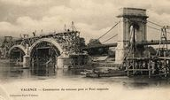 Valence - Construction du nouveau pont et Pont suspendu. [Ca 1905]. 1 impr. photoméc. (carte postale) : n. et b. (MdFR. Collection Dürrenmatt, CP DUR 1673)