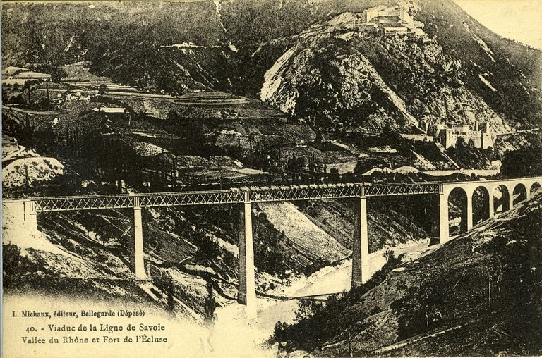 40 - Viaduc de la Ligne de Savoie. Vallée du Rhône et Fort de l´Ecluse / L. Michaux édit. Bellegarde : Michaux, [avant 1920]. 1 impr. photoméc. (carte postale) : n. et b. (MdFR. Collection Rondeau, CP RON 0018)