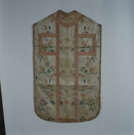 Chasuble d'un ornement blanc